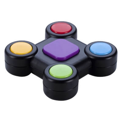 Memory Game with colored circle buttons surrounding a purple square button