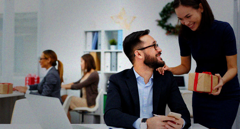 Delight New Employees With Company Welcome Packages