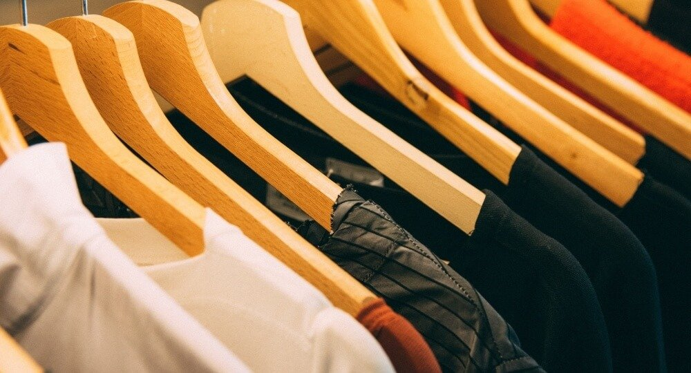 How to Find High Quality Branded Clothing for Your Company
